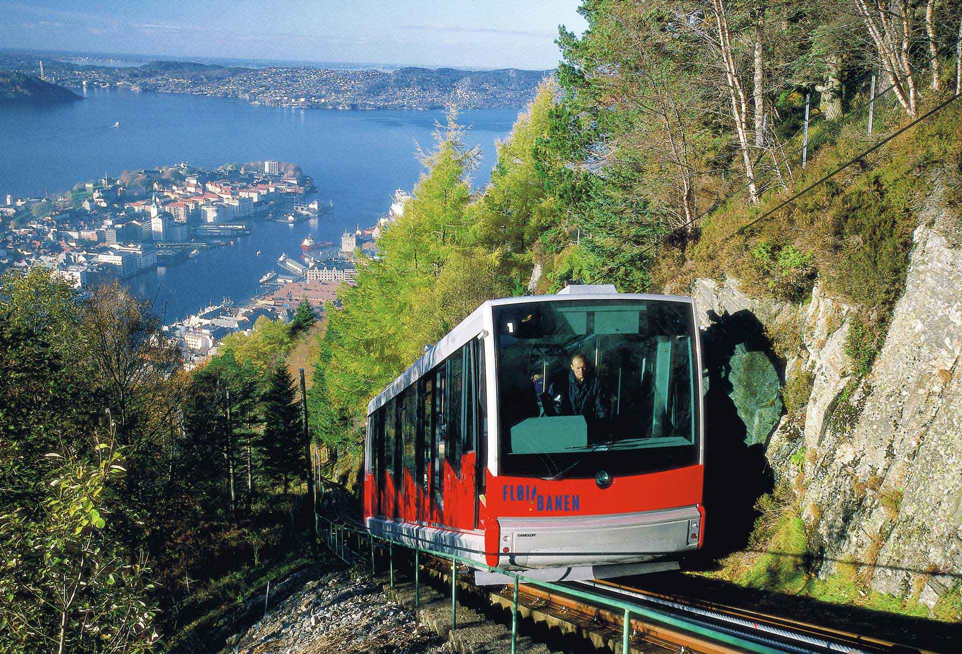 The steep tracks of the Bergen Fløibanen - Photo: Pål Hoff/VisitBergen-VisitNorway.com