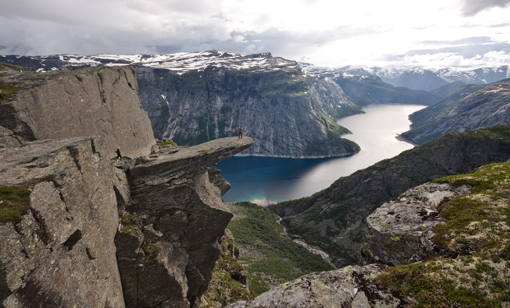 Trolltunga juts out over Lake Ringedalsvatnet.