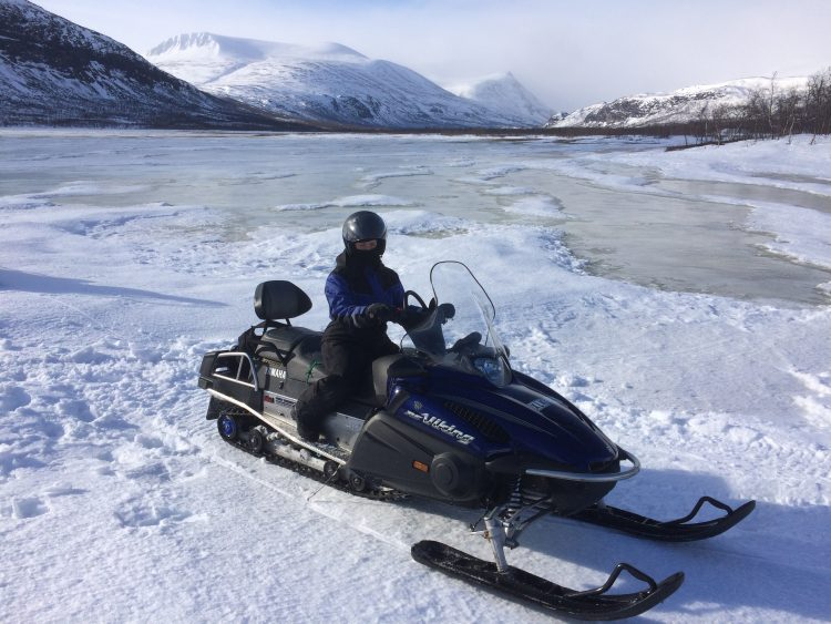 Snowmobile tour in Nikkaloukta