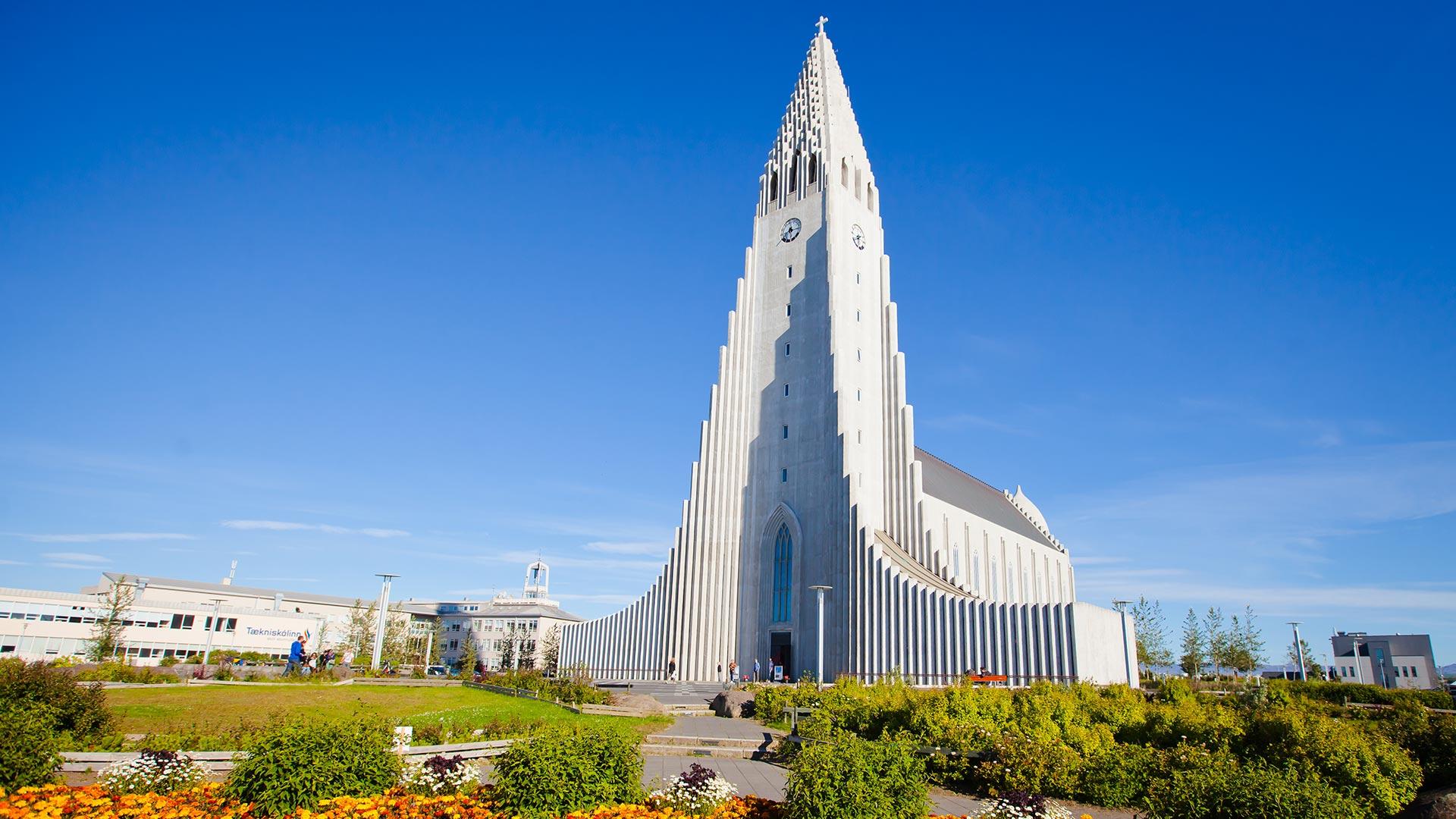Explore Iceland On Your Own Hallgrimskirkja Reykjavik Iceland