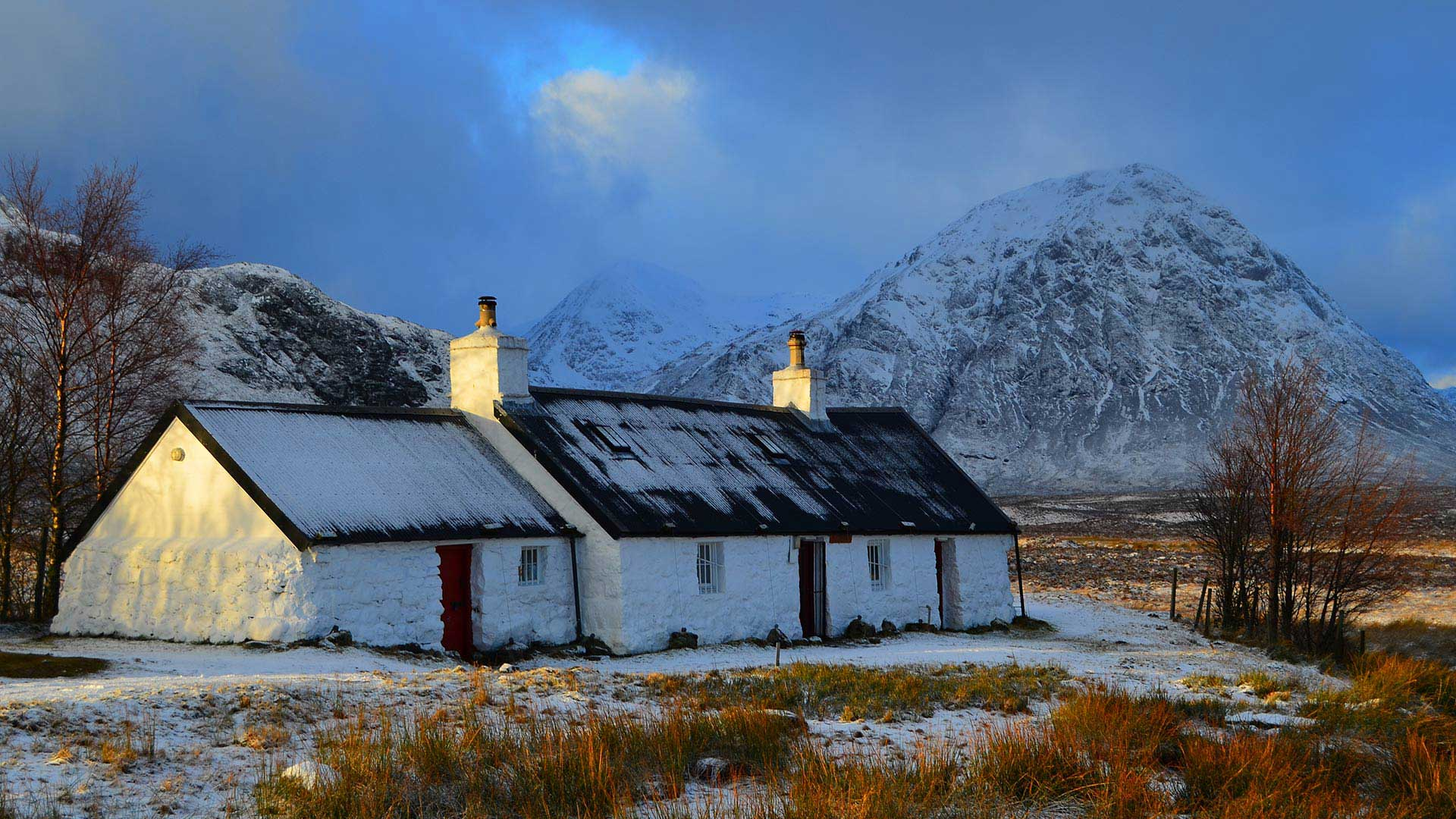 glencoe and house in the snow