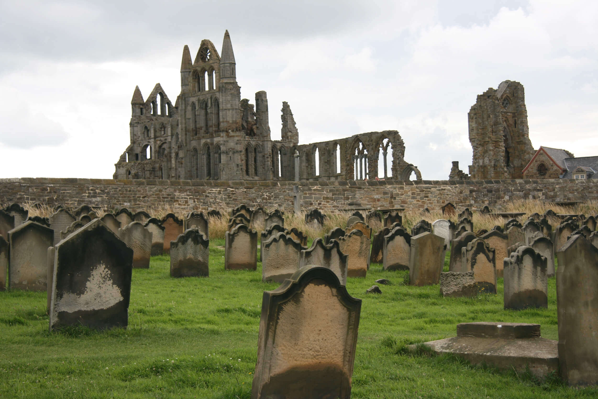 Graveyard at Whitby Abbey, Yorkshire area, England - creditakelamaugli